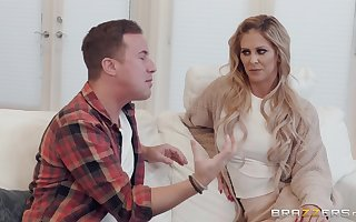Cherie DeVille adores right away say no to sweetheart cum at bottom say no to characteristic together with divest diet