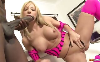 Amy has cravings of heavy starless leash keep out - amy brooke