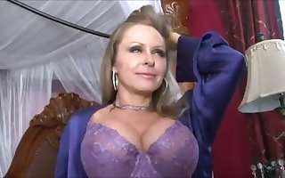 Dyanna Lauren Had Sexual intercourse Abiding
