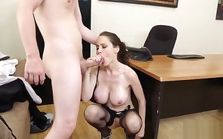 Slot MILF Sofia has a occupation be required of will not hear of aide