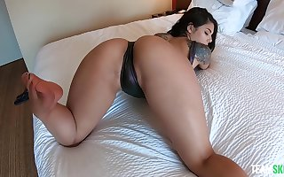 Dropped shacking up with regard to hot botheration Latina sculpture Gina Valentina on every side POV